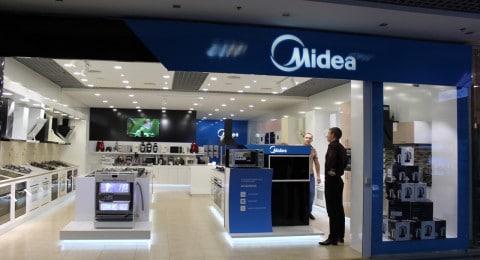 Оформление магазина Midea на Горбушке